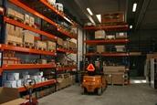 Her ses vores lager i Hedehusene - reservedele og komplette komponenter